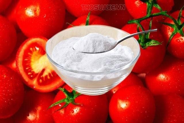baking-soda-ca-chua-tri-mun